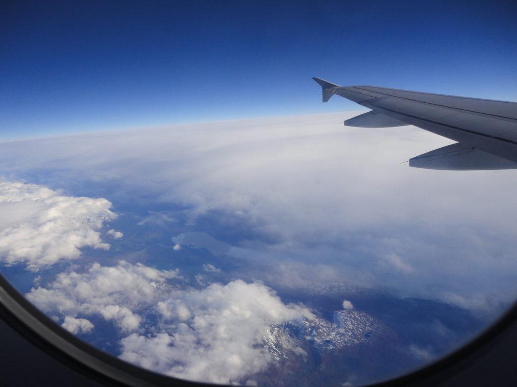 A bordo - ventanilla - Esencia Viajes
