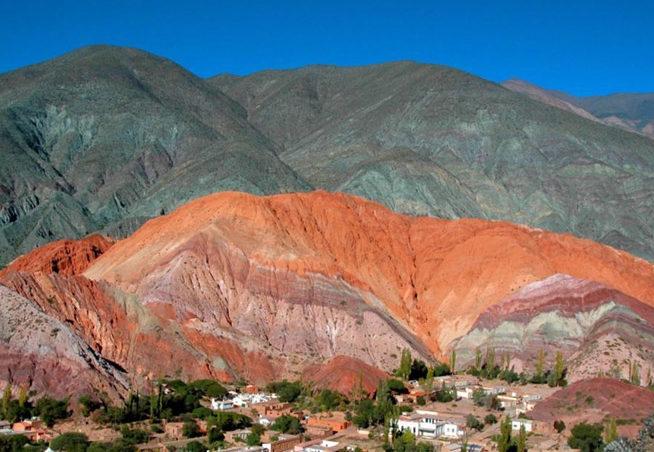 Cerro de los 7 colores - Esencia Viajes